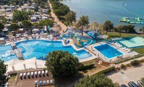 Kamp Vestar novi pogled na bazen | AdriaCamps