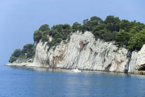 Makarska beaches cliffs