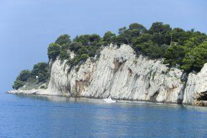 Makarska beaches cliffs
