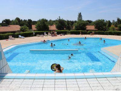 Camping BiVillage swimming pool