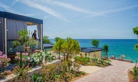 Kamp Jezevac, Lungomare Premium Village mobilne kucice, spektakularan pogled na more | AdriaCamps