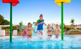 Kamp Resort Krk nova voda igraliste Aquapark animacija s djecom | AdriaCamps