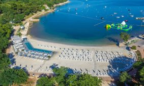 Kamp Lanterna: nova pjescana plaza Adria s pogledom na more | AdriaCamps
