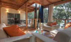 Kamp Mon Perin Villa Luxury Me and You terasa | AdriaCamps
