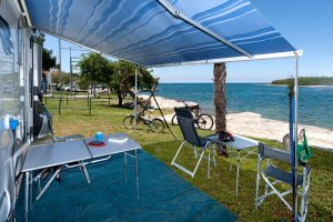 Camping Orsera premium mare Blick auf das Meer | Adria Camps