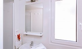 Kamp Park Soline Premium mobilna kucica kupatilo