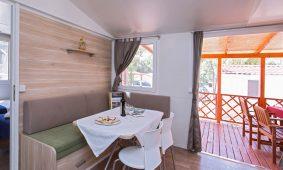 Kamp Park Soline Premium mobilna kucica blagovaonica i terasa