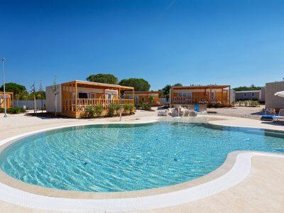 Kamp Polari, Premium mobilna kucica s bazenom | AdriaCamps