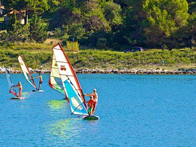Camping Pomer windsurfen