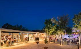 Kamp Resort Lanterna, Kamp Lanterna, piazza | AdriaCamps
