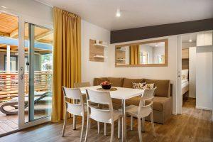 Camping San Marino Lopari Garden Premium Family stacaravans interieur | AdriaCamps