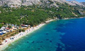 Kamp Skrila pogled iz zraka na plazu