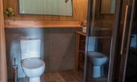 Kamp Slamni - Fishermans Glamping Selo u interijer kupaonice | AdriaCamps