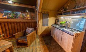 Kamp Slamni - Fishermans Glamping Village izgled kuhinje | AdriaCamps
