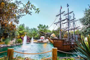 Campeggio Solaris Beach Resort Pirate adventura Minigolf | AdriaCamps