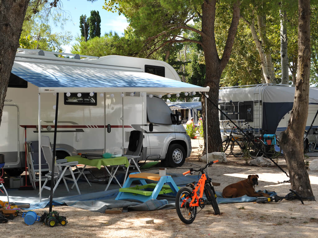campingplatz stobre split split dalmatien adriacamps. Black Bedroom Furniture Sets. Home Design Ideas