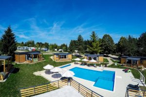 Camping Turist Grabovac mobile homes pool