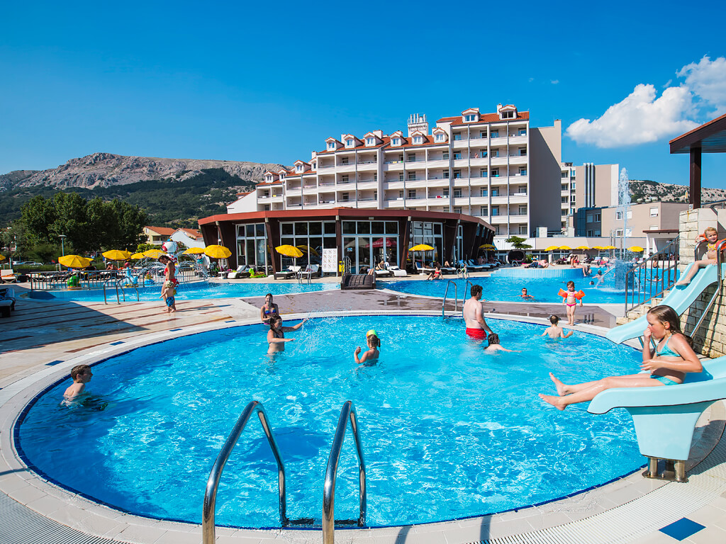 Zabla e camping resort by valamar ba ka island of krk Campsites in poole with swimming pool