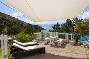 Naturist camping Bunculuka comfort mobile homes terrace view | AdriaCamps