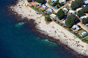 Naturist Camping Koversada strand en staanplaatsen