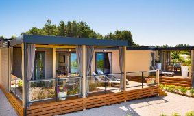 kamp krk Bella Vista premium mobilna kucica s terasom u vrtu