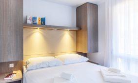Kamp Polari mobilna kucica Premium obiteljska spavaca soba