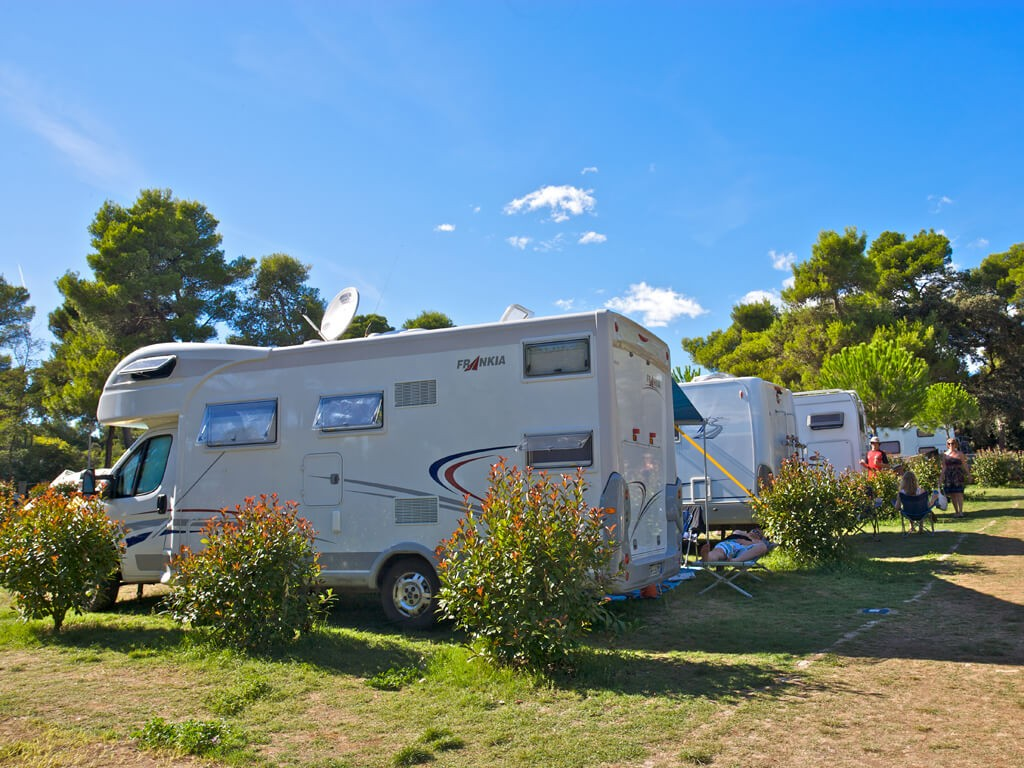 campingplatz stoja adriacamps. Black Bedroom Furniture Sets. Home Design Ideas