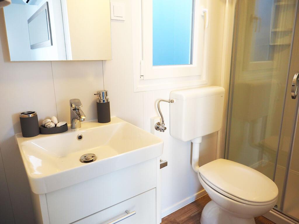 camping klenovica adriacamps. Black Bedroom Furniture Sets. Home Design Ideas