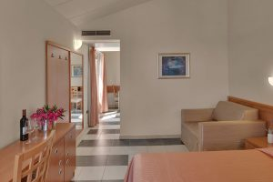 Superior Double Room with extra bed - Camping Amarin