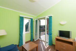 Premium Apartment 4 - Naturist Camping Koversada