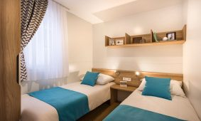 Kamp Vestar Escape i Superior view mobilne kucice spavaca soba interijer pogled | AdriaCamps