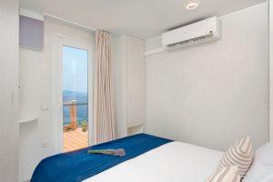 Camping Marina Premium stacaravan slaapkamer | AdriaCamps