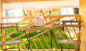 Camping-Polidor-Glamping-room-terrace