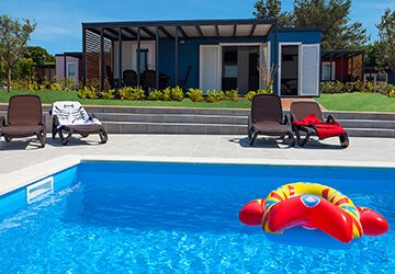 Mobile-homes-pool