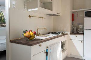 Campsite Port 9 mobile home Marco Polo kitchen | AdriaCamps