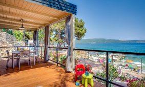Kamp Jezevac Lungomare Premium Village mobilne kucice spektakularan pogled na more | AdriaCamps