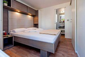 Camping Ljutic Premium Stacaravan slaapkamer | AdriaCamps