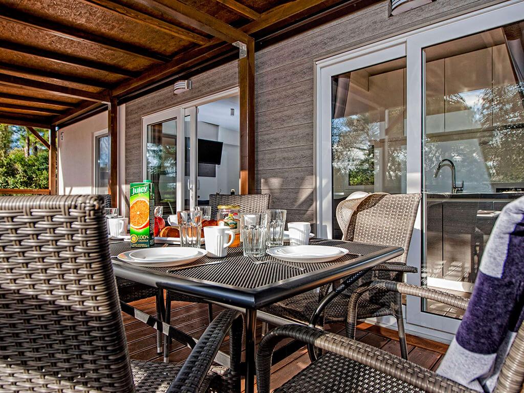 campingplatz ljuti biograd na moru dalmatien adriacamps. Black Bedroom Furniture Sets. Home Design Ideas