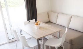 Kamp San Marino - Lopar, Garden Premium mobilna kucica - interijer | AdriaCamps