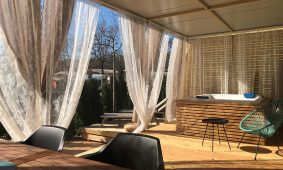Kamp Polidor Deluxe mobilna kucica terasa jacuzzijem | AdriaCamps
