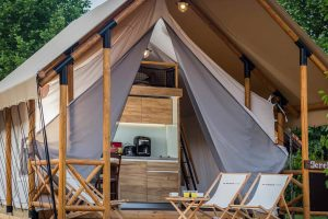 Premium three bedroom safari tent (4+2) - Kamp Arena Runke