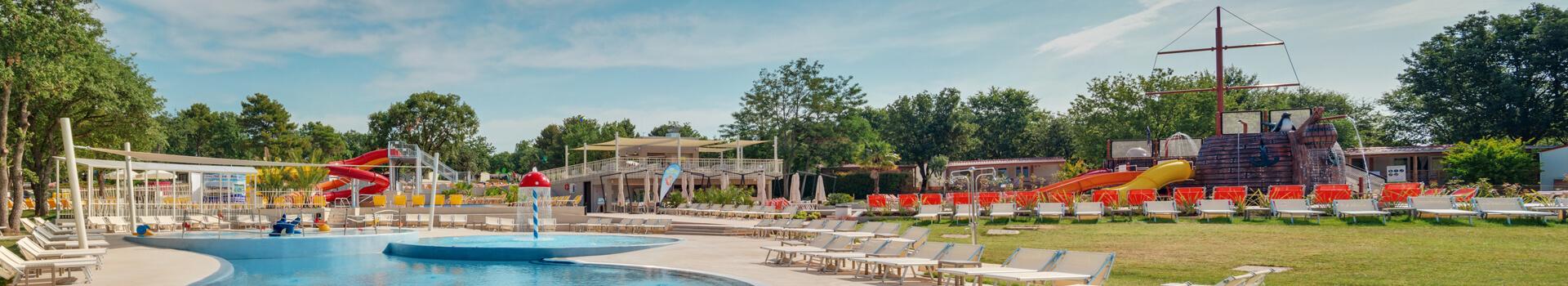 Nove mobilne kućice, bazeni i multifunkcionalno igralište u Lanterna Premium Camping Resortu