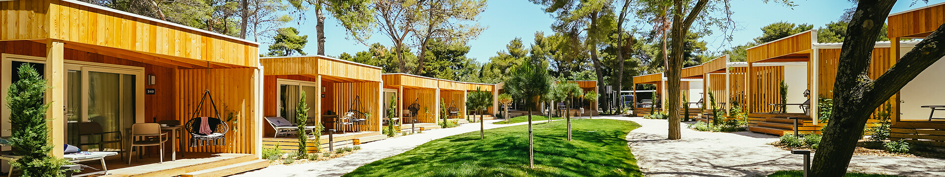 New luxury mobile homes in the first row to the sea and the first campsite with 5* await you in Dalmatia