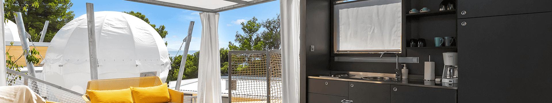 Upoznajte nove mobilne kućice i sferične glamping šatore u kampu Medora Orbis
