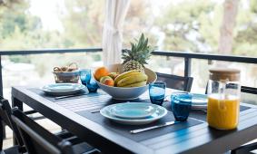 Kamp Vestar mobilne kucice Superior nova obiteljska kuhinja