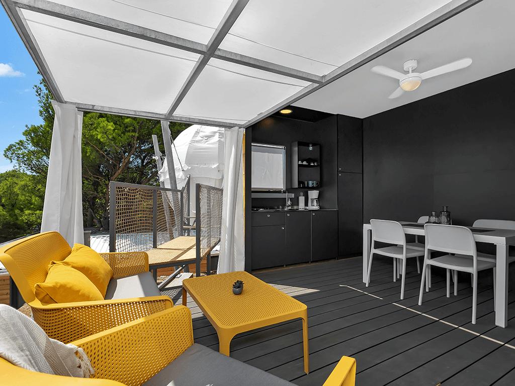 Case Mobili Nuove : Nuove case mobili e le tende glamping sferiche nel campeggio medora